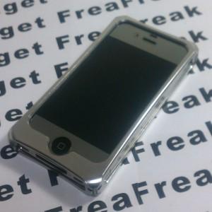 ジュラルミン製iPhone4用ケースを約1年使ってみたかんじ。