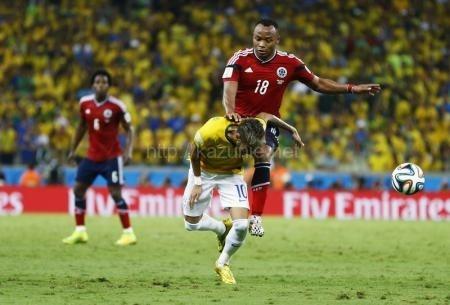 ブラジル代表FWネイマールを腰椎の骨折に追いやったコロンビアのフアン・スニガほか今日の #スクラップ #2014 #7/5