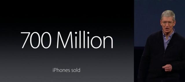 iPhone700万台
